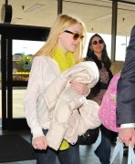 Dakota Fanning / Michael Sheen - Imagenes/Videos de Paparazzi / Estudio/ Eventos etc. - Página 2 42e053120731535