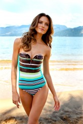 c21043171385945 Fabiana Semprebom   Despi SS2011 swimwear