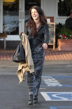 Шенэй Граймс, фото 2002. Shenae Grimes - Lunching in LA - Feb. 29, 2012, foto 2002